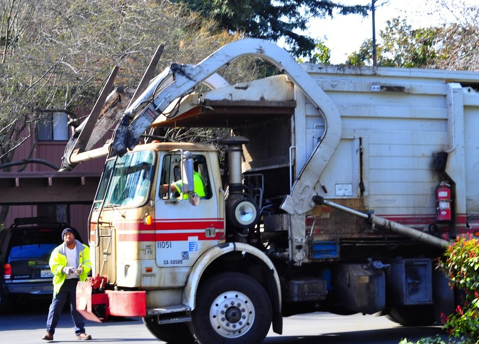 Front Loading Garbage Truck