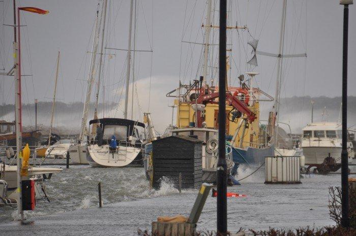 1-2 Mikkel Nielsen - Hurricane Winds