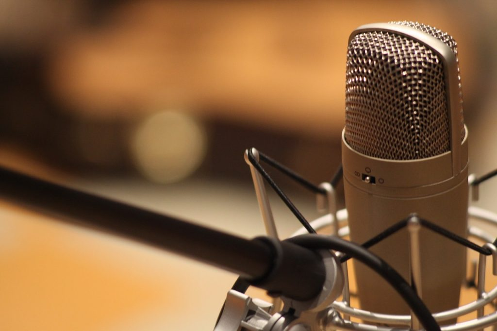 microphone-1003561_1280