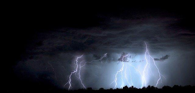 lightning 1158027 640
