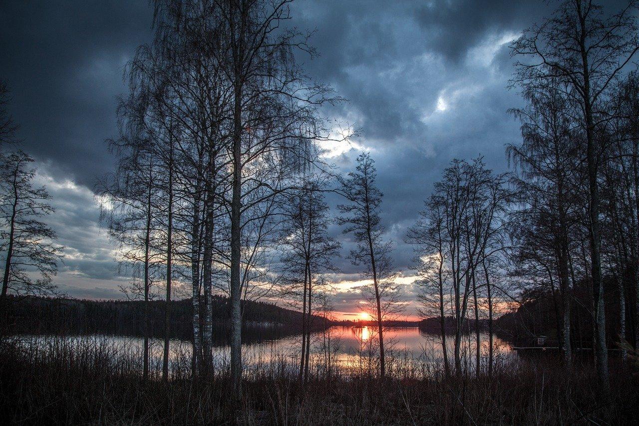 lake scenery 1365288 1280
