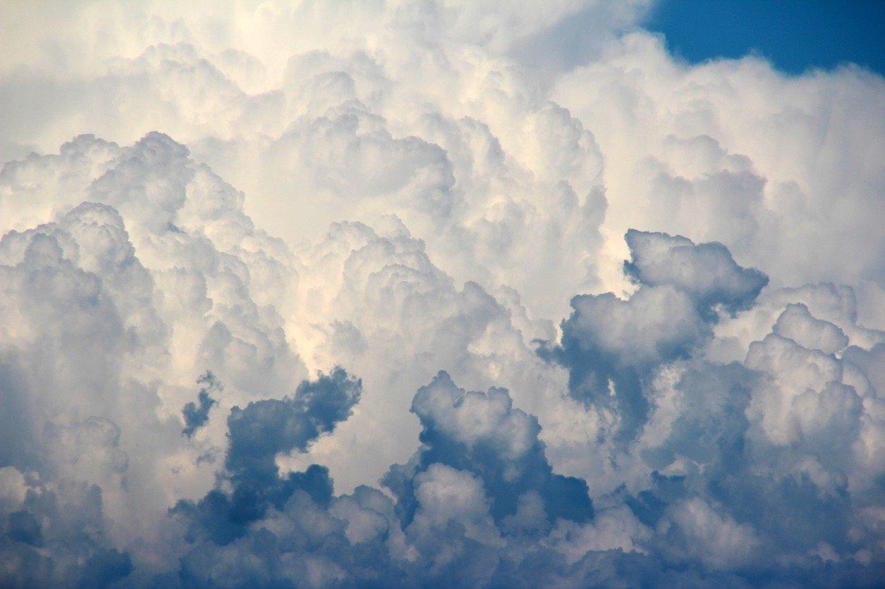 clouds 1473311 1280 3